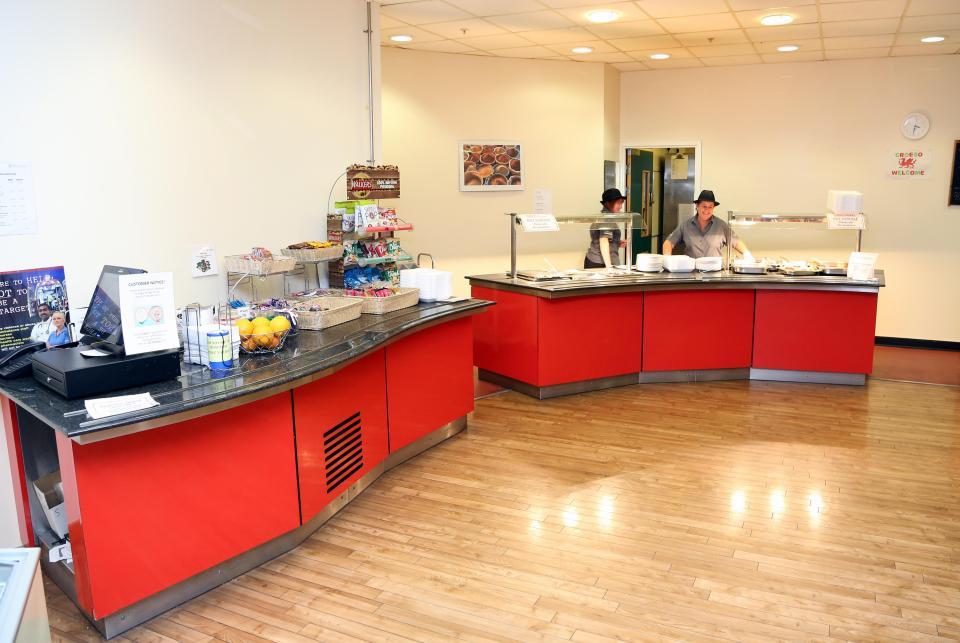 Кафе больницы Порт-Талбота