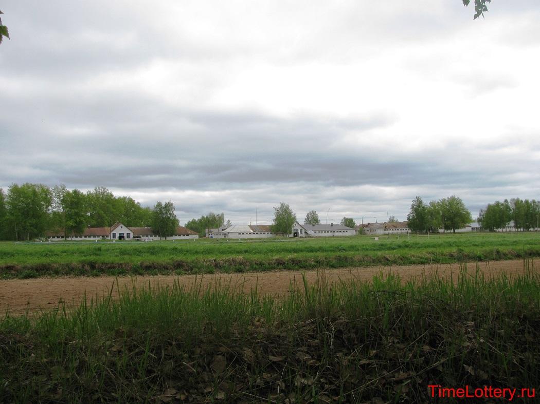 ипподром Нижнего Новгорода, вид на конюшни
