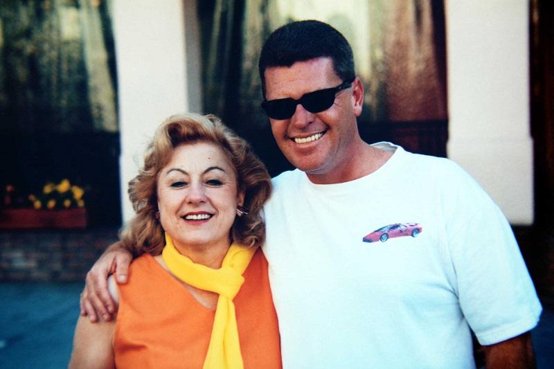 Джим Хейс с промоутером Platinum Motors, 2000 год