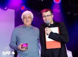Гарик Харламов наградил лучших покеристов России