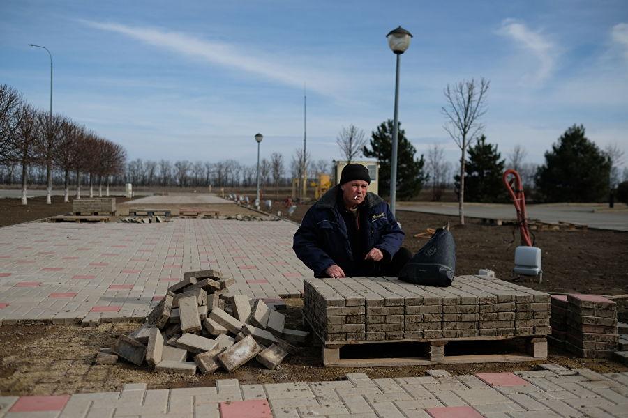 После закрытия казино за полцены продавали даже тротуарную плитку на территории