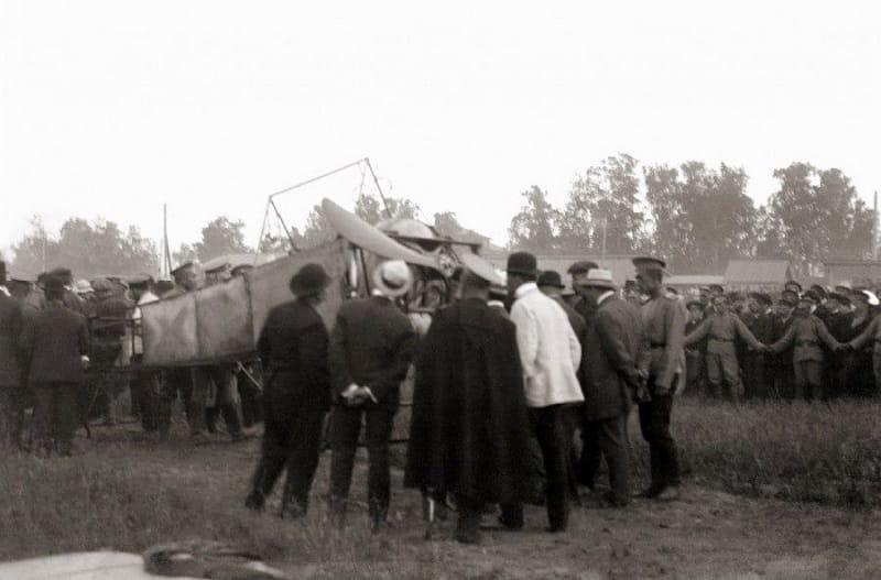 Александр Алексеевич Васильев и его «Блерио-XI бис» на ипподроме Екатеринбурга